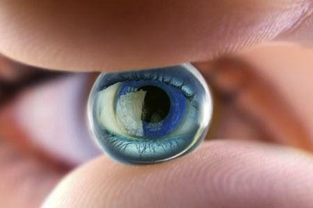Bahaya Tidur Menggunakan Lensa Kontak