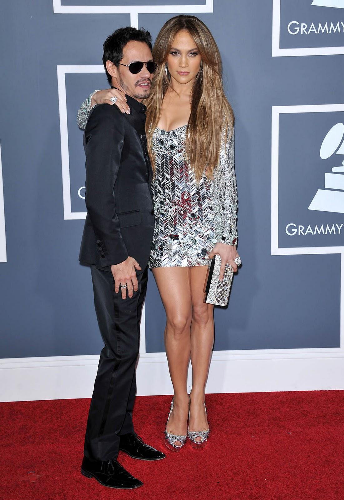 http://2.bp.blogspot.com/-IZwOfGv4s8A/TuEi6QI3A7I/AAAAAAAAAzk/Slr4GiLfHqE/s1600/jennifer_lopez_grammy_dress_9.jpg