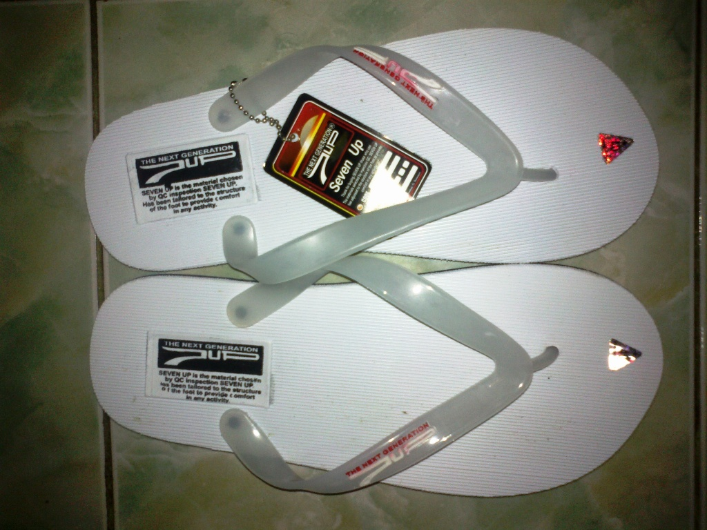 Sandal Distro Oriinal 7UP