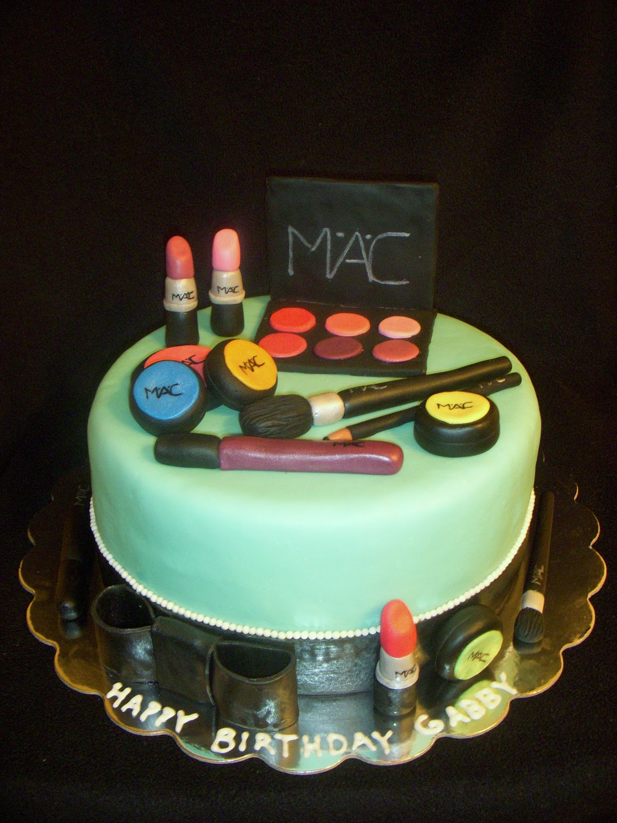 cake for a girl named Gabby who is going to be a future makeup artist ...