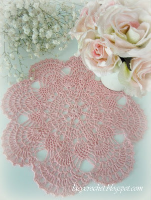 small pineapple doily in pink