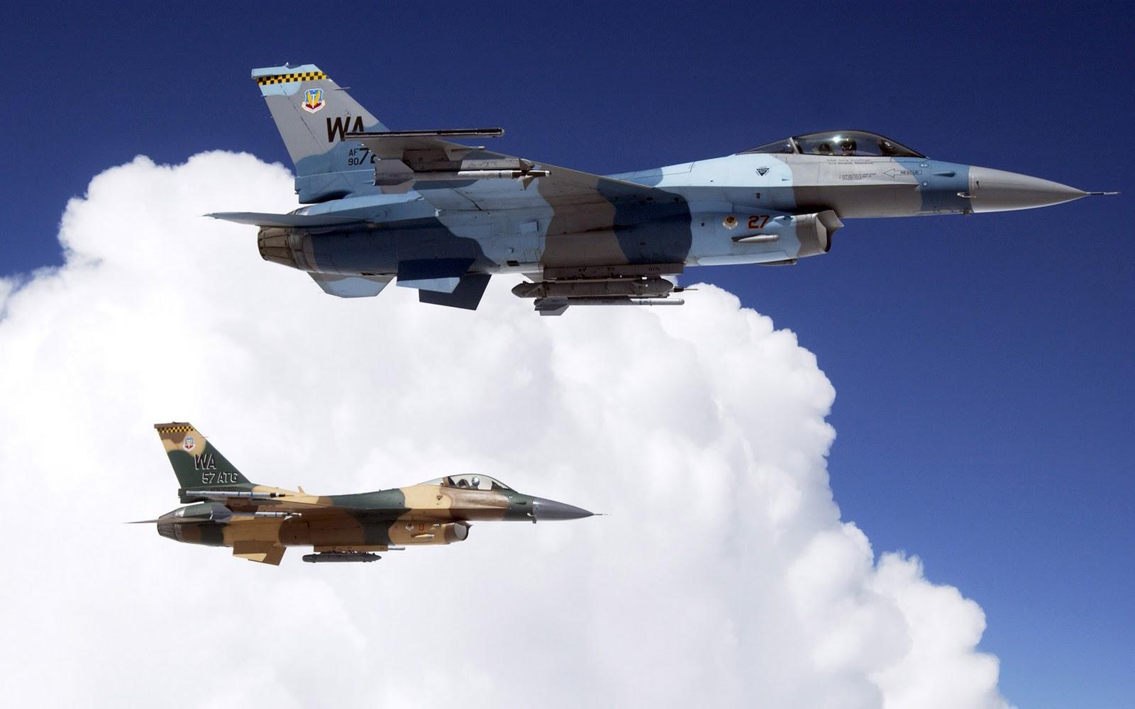 http://2.bp.blogspot.com/-I_ZZ_t9Xtxg/TosARzteObI/AAAAAAAANgo/ShM7vQF2yhs/s1600/Mooie-militaire-gevechtsvliegtuigen-achtergronden-hd-gevechts-vliegtuigen-wallpapers-13.jpg