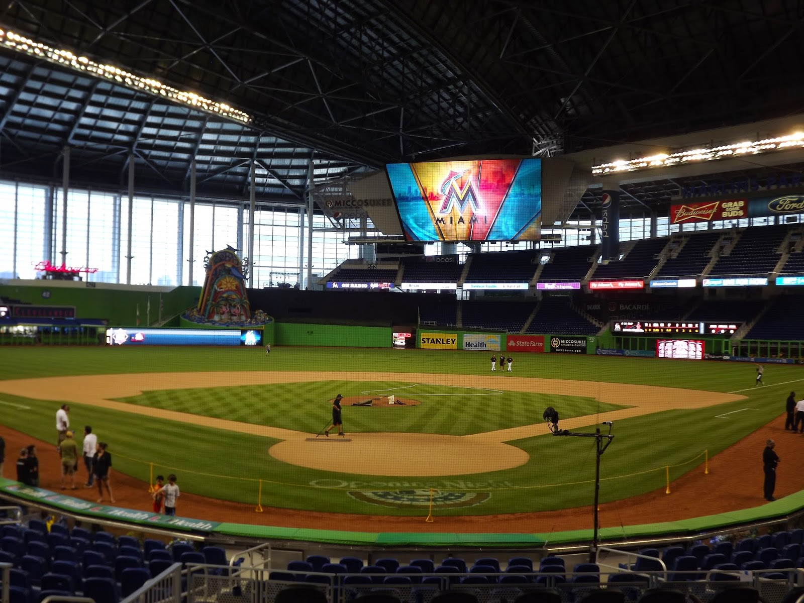 50 High Quality Photos Of Opening Day At Miami BMarlins Park