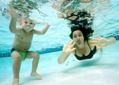 perawatan rambut saat berenang