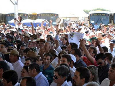 Protestos dos Produtores Rurais no Mato Grosso do Sul - Um Asno
