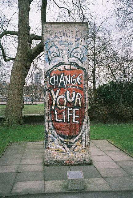 Wall artwork and graffiti | berlin wall graffiti art today | fall