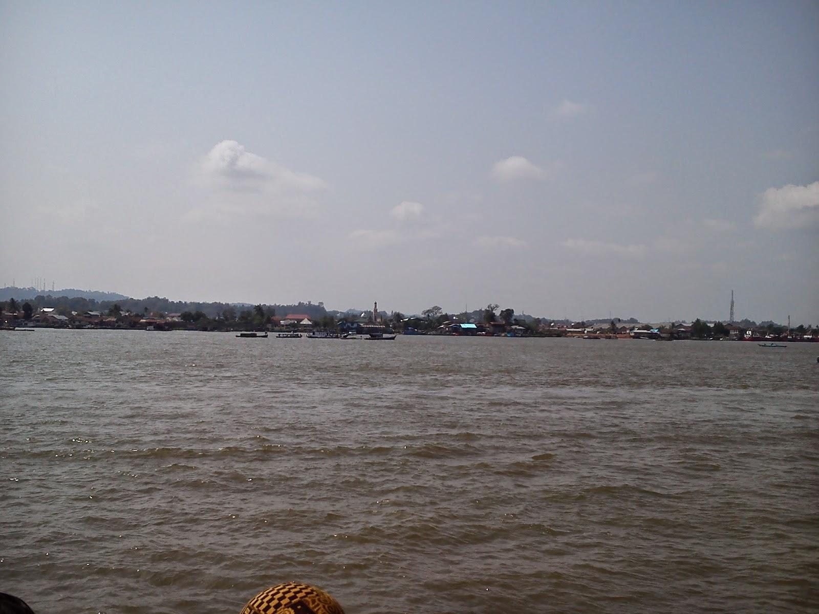 tepian sungai mahakam