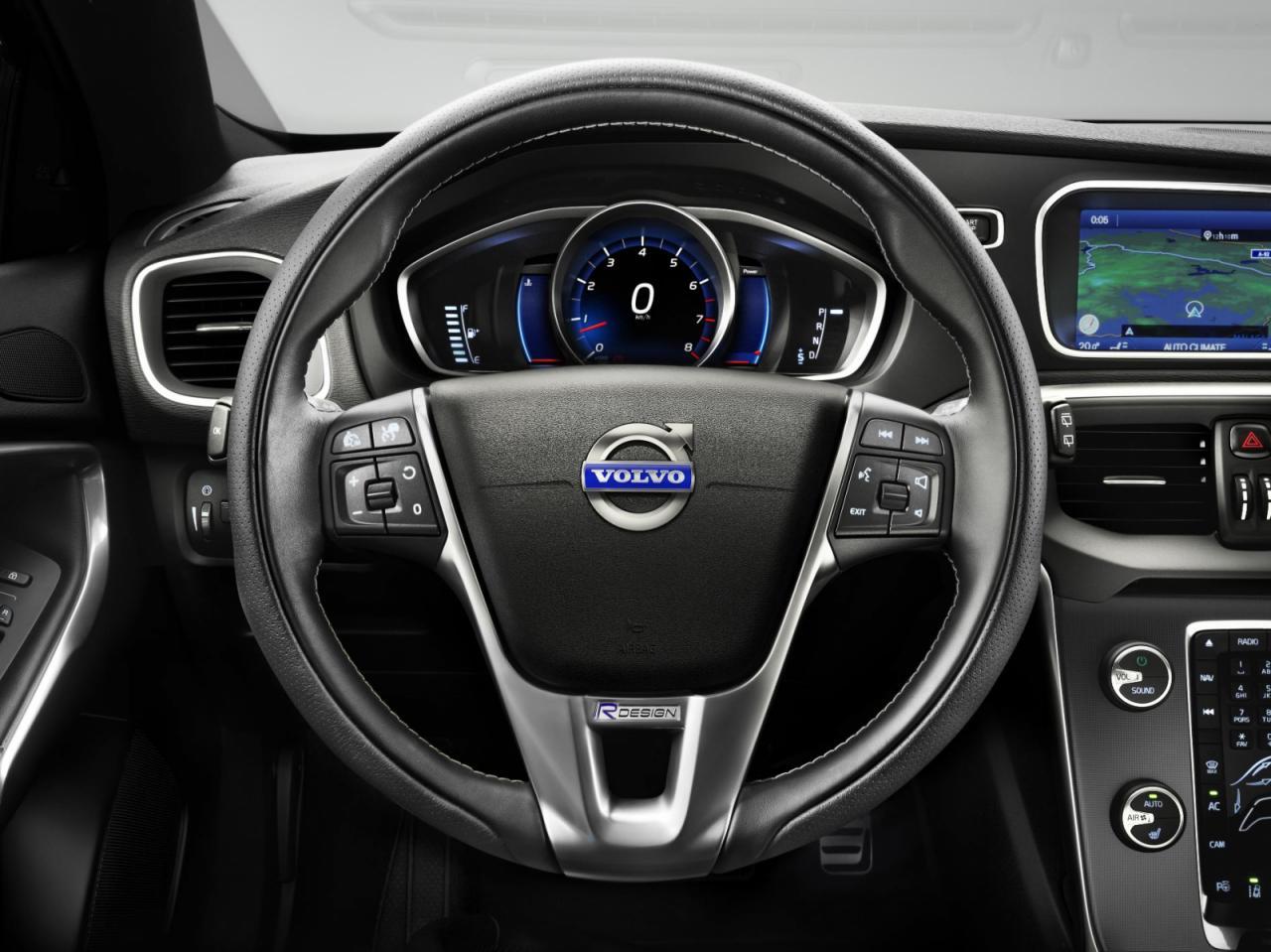 Volvo+V40+R-Design+3.jpg