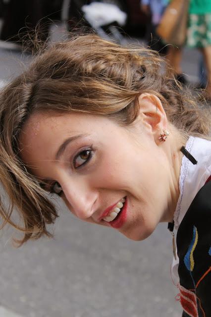 Raquel, vestida de baturra