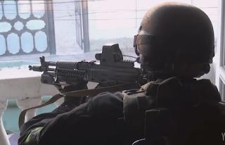 Απίστευτο βίντεο: Δείτε πώς… ξηγιούνται στους ένοπλους ταμπουρωμένους οι Ρωσικές Ειδικές Δυνάμεις!
