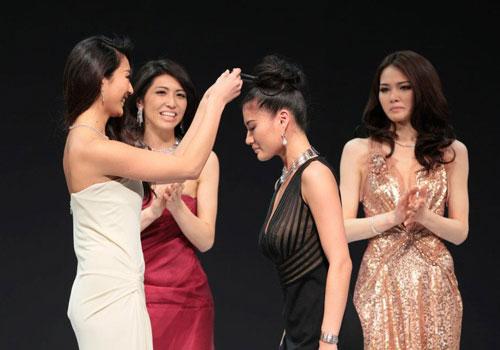 Ayako won miss universe japan 2012