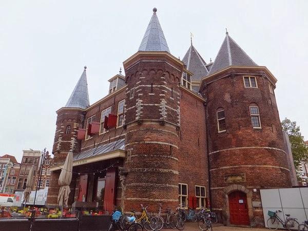amsterdam nieuwmarkt waag