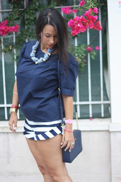 http://silviparalasamigas.blogspot.com.es/2015/09/short-y-collar-navy.html