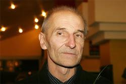 Пётр Мамонов готовит радиопередачу