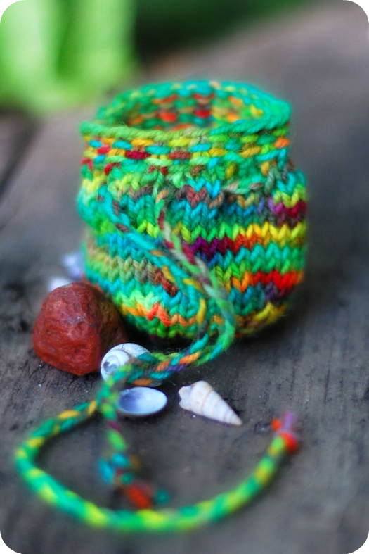 The Sitting Tree: Free Knitting Pattern: Treasure Pouch