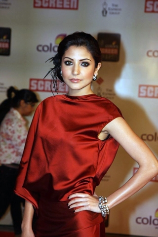 Anushka Sharma Bollywood Diva's Smoky Eye Makeup Looks