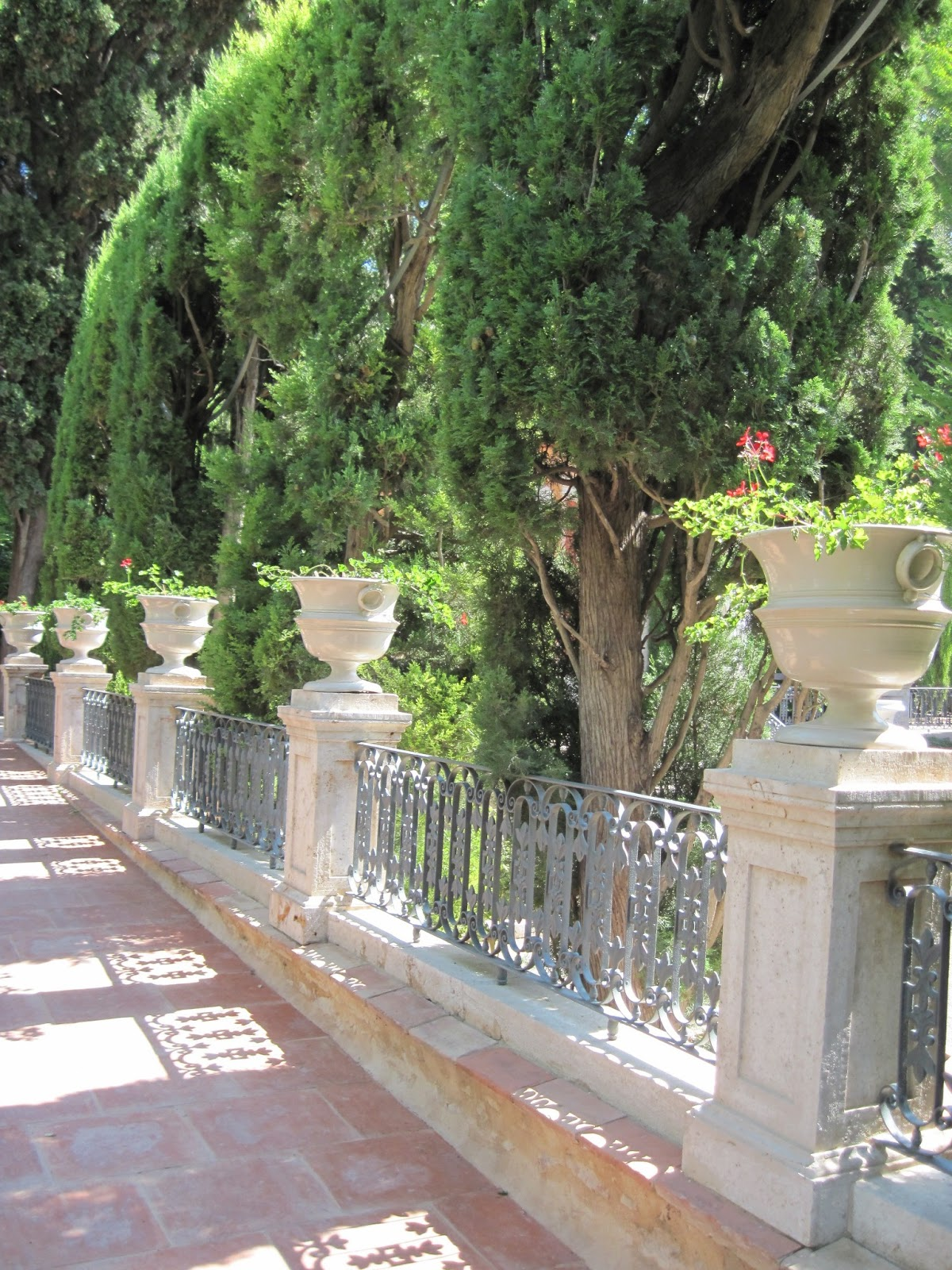 Otro enfoque jardines de monforte for Jardines de tabarca valencia
