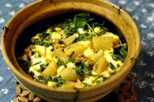 Vietnamese Food - Đậu Phụ Non Om Củ Cải Trắng