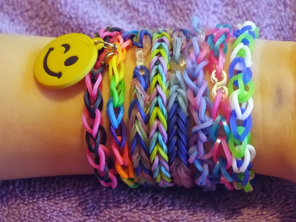 Clever Crafty Cookin Mama Beginning Loom Bracelet Tutorial