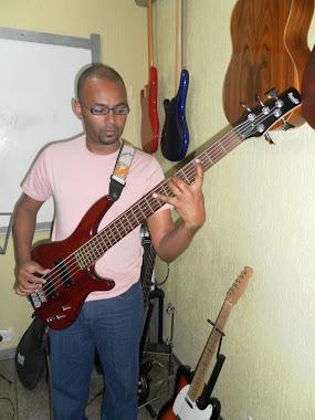Prof. Davi (Contra-Baixo & Bateria) Facebook