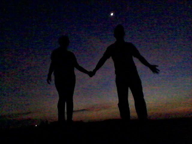 Adam Ari Handhokoe: Sunset Romantis Di Parangtritis