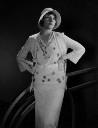 Flashback Summer: Quick Sewing Project Update- Style a wiggle dress to any decade, 1920s