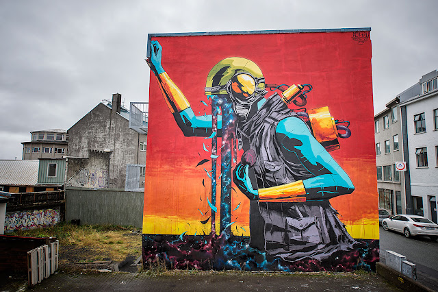 Our friend Deih from XLF crew is currently in Iceland where he was invited by the good lads from Urban Nation to paint for the Walls & Poetry project.