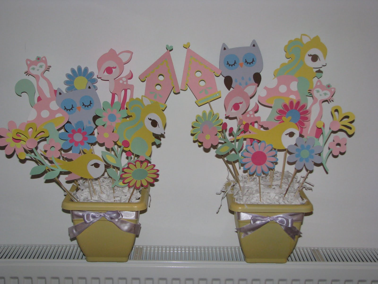 Oh so cute baby shower centerpieces for Baby shower decoration centerpieces