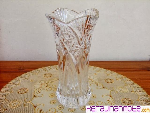 Kerajinan Tangan Vas Bungan Mote atau Mute Acrylic