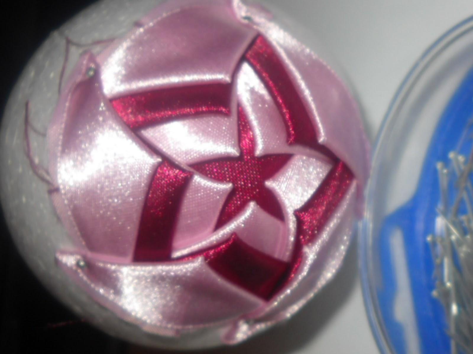 Елочная игрушка из лент  видео