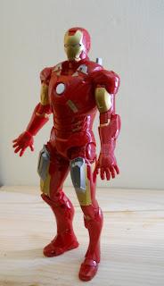 figura de el hombre de hierro