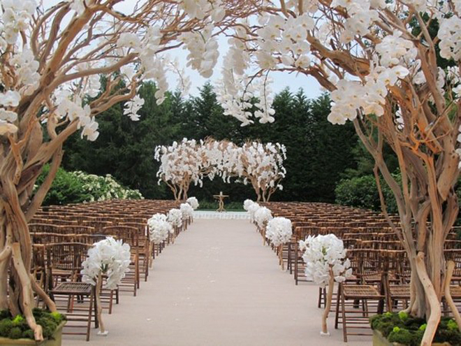 Gorgeous wedding ceremonies belle the magazine for Aisle wedding decoration ideas