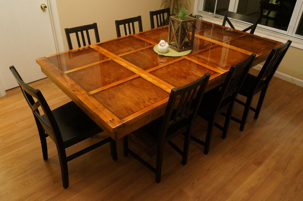 door dining room table