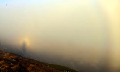 jesús en un arcoiris
