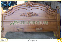 Tempat tidur ukiran kayu jati Jepara Cempaka