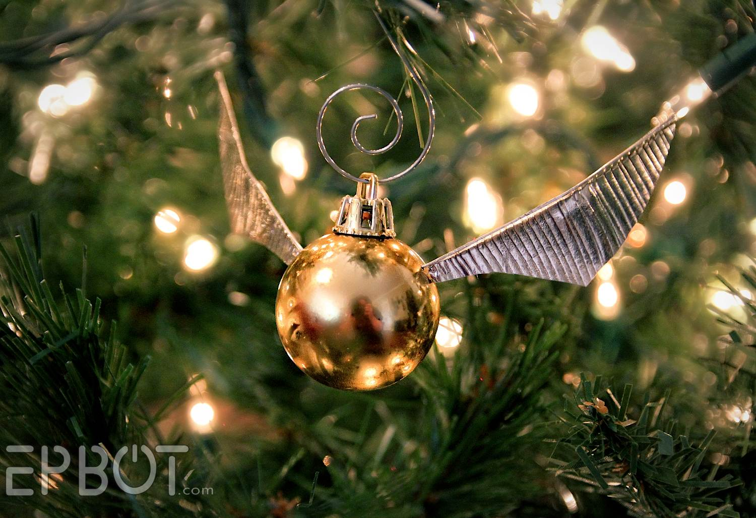 Harry potter christmas ornament - Make Your Own Golden Snitch Ornaments Calling All Harry Potter