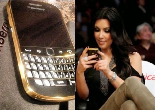 artis kim kardashian masih setia menggunakan blackberry bold 9900