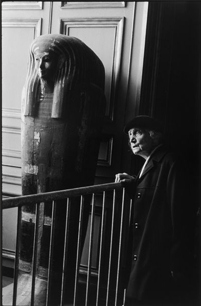 Alécio de Andrade, At the Louvre, 1968.