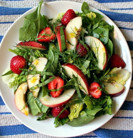 Strawberry, nectarine, basil, and fennel frond salad