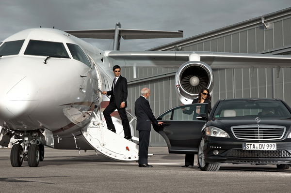 luxury cars yachts  Luxury Cars and Treatments: Luxury Yacht and Private Jet Travel