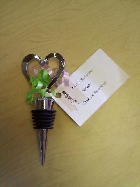 Unxia heart wine bottle stopper wedding favors