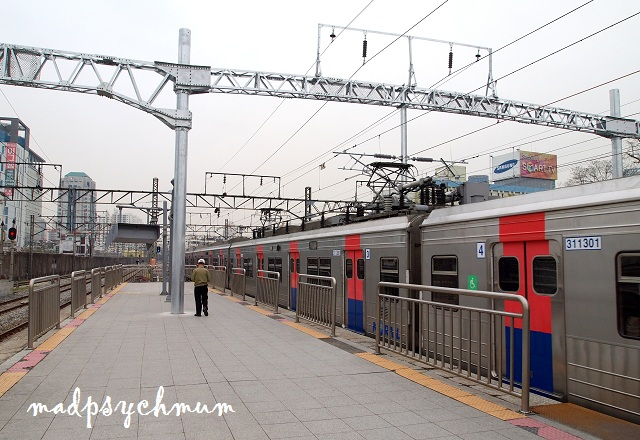 how to get to dongdaemun market from seoul station