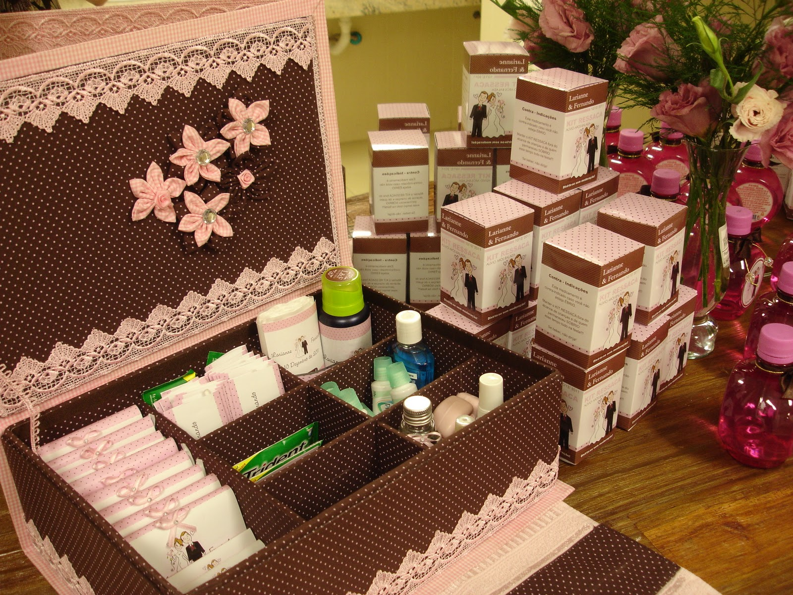 Banheiro: caixinha kit ressaca plaquinhas… (casamento e outras  #98B705 1600 1200