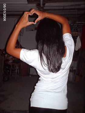 quando faço um ♥ com as maos é pq te AMO...