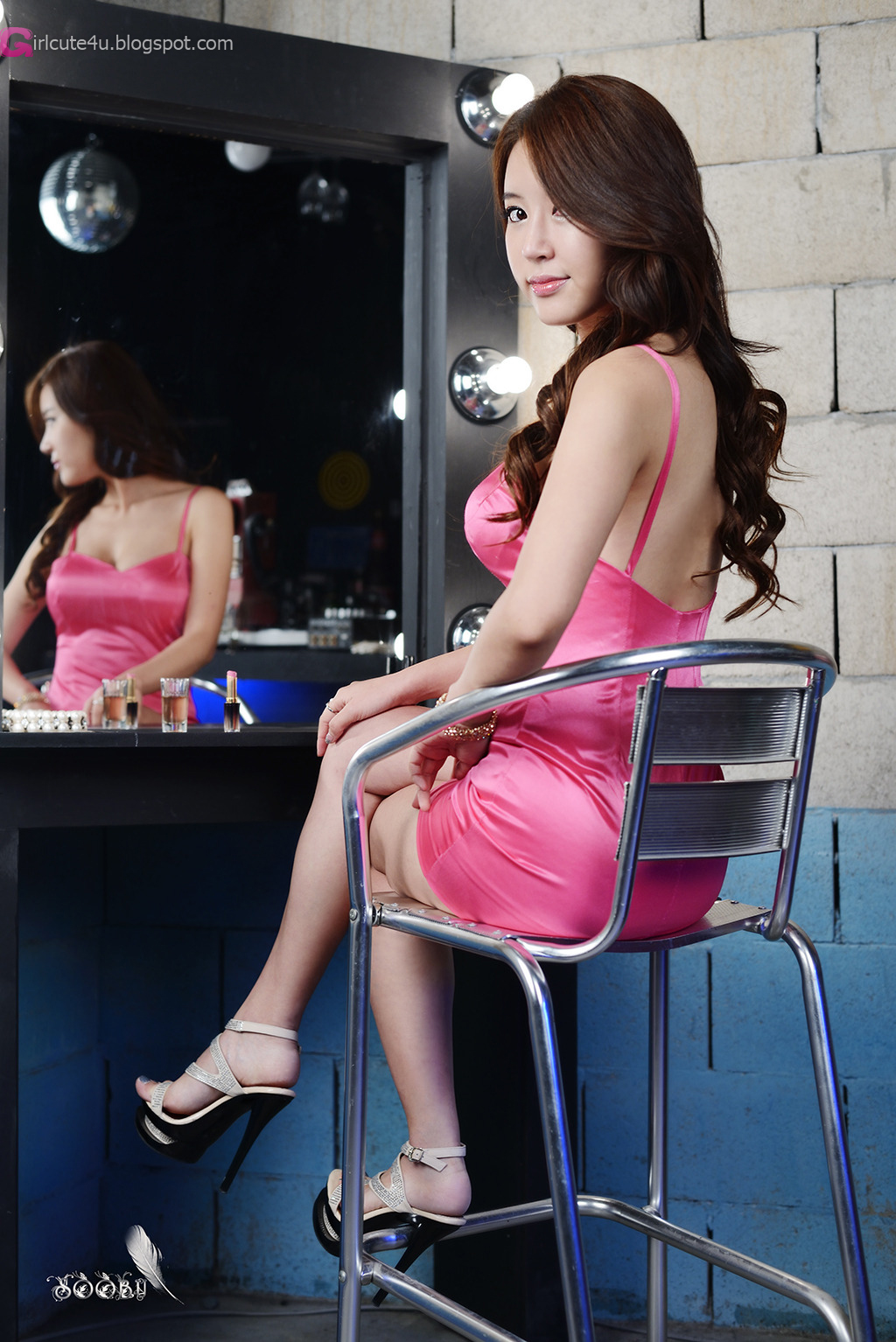Yoon Joo Ha in Pink - very cute asian girl - buntink.blogspot.com
