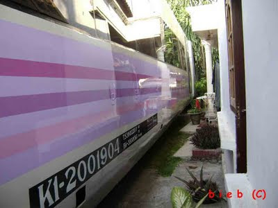 Jalur kereta api di Indonesia yang mengerikan...!!!