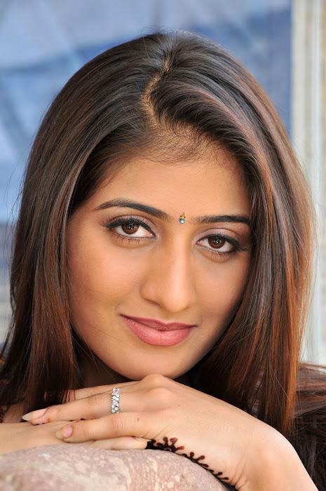 anisha singh from ayyare movie, anisha photo gallery