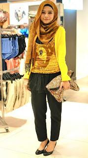 cute Hijab fashion style for 2012 Contoh Gambar Jilbab Hijab Modern
