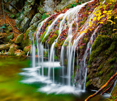Cascadas Jur Jur en Crimea, Ucrania. - Waterfalls
