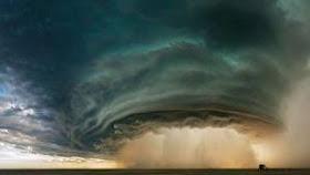 10 Tujuan Wisata Dengan Fenomena Alam yang Ekstrim